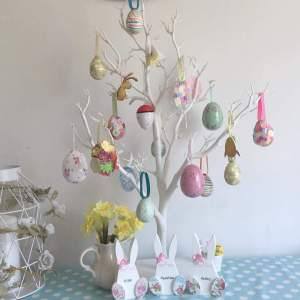 http://www.youandkids.com/40-lovely-easter-tree-decorating-ideas-spring-home-decor/